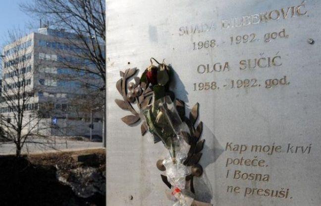 """""""Nous savions que quelque chose se tramait mais nous sommes descendus dans la rue pour réclamer la paix"""", se souvient le professeur Zdravko Grebo en évoquant la manifestation du 5 avril 1992 à Sarajevo lorsque des snipers serbes tirèrent sur la foule"""