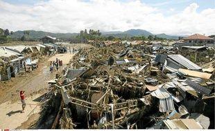 Le premier bilan de la Croix-Rouge philippine fait état de 650 morts.