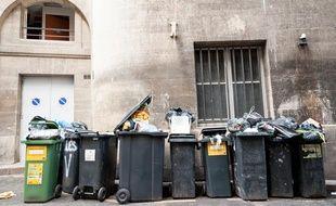 Le ramassage des ordures ménagères dans le centre de Bordeaux