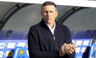 Thierry Laurey est le nouvel entraîneur du Racing club de Strasbourg (Ligue 2). Il s'est engagé pour deux saisons (2016-2018).
