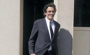 """L'ancien ministre de l'Education Luc Ferry a jugé mardi sur RTL """"plutôt très bien"""" les axes présentés par le président François Hollande pour la réfondation de l'école."""