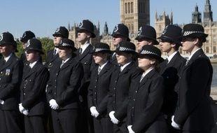 Des policiers britanniques - Illustration