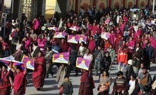 Les manifestations anti-chinoises avaient démarré le 10 mars à Lhassa, jour anniversaire de la révolte anti-chinoise de 1959, avant de dégénérer le 14 mars, puis de s'étendre à d'autres régions où vivent des minorités tibétaines, dans l'ouest de la Chine.
