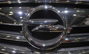 PSA Peugeot Citroën et General Motors, liés depuis le début de l'année, envisagent à présent de créer une société commune regroupant les activités automobiles du Français et la filiale européenne de l'Américain, Opel, rapporte vendredi le site internet Latribune.fr.