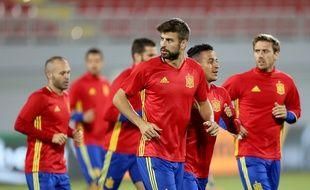 Gerard Piqué a été secoué par les supporters de la Roja.