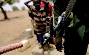 Le calme semblait revenu vendredi à la frontière entre les deux Soudans, et les forces en présence attentistes mais sur leurs gardes, après trois jours d'intenses combats qui avaient fait craindre une nouvelle guerre entre les deux voisins.