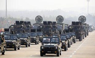 Samedi avait lieu un traditionnel défilé militaire dans la capitale birmane. L'occasion d'une démonstration de force de la junte.