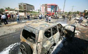 Destructions après une attaque suicide à Bassora en Irak, le 4 avril 2016