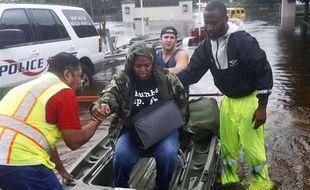 De nombreux élans de solidarité ont émergé au milieu du chaos de l'ouragan Harvey.