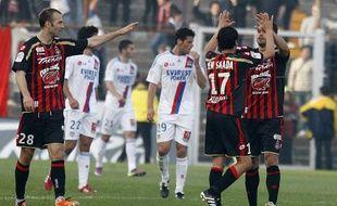 Les joueurs de Nice après leur match nul face à Lyon, le 3 avril 2011