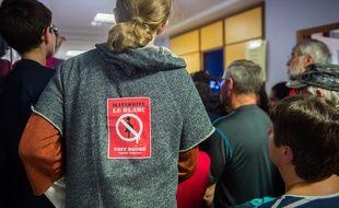 Benoît Hamon venu soutenir les salariés de la maternité du Blanc, menacée de fermeture dans l'Indre, le 29 octobre 2018.