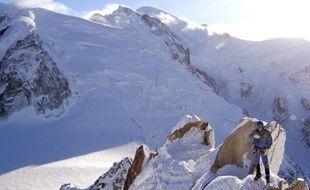 Tétraplégique, Claude Agbrall a bouclé samedi un joli défi : descendre en ski fauteuil les flancs de l'Aiguille du Midi.