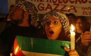 Au Liban, des milliers de Palestiniens ont manifesté dans les camps de réfugiés et à Beyrouth, des centaines de manifestants se sont rassemblés près de l'ambassade d'Egypte.