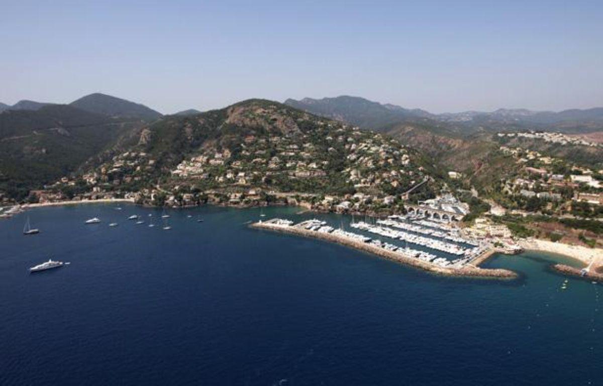 Sur la Côté d'Azur, comme ici à Mandelieu-la-Napoule, 78% des professionnels sont satisfaits de la fréquentation malgré une légère baisse ressentie par rapport à 2011. – AFP PHOTO / JEAN CHRISTOPHE MAGNENET