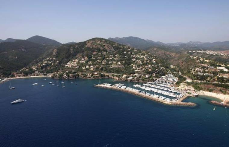 Sur la Côté d'Azur, comme ici à Mandelieu-la-Napoule, 78% des professionnels sont satisfaits de la fréquentation malgré une légère baisse ressentie par rapport à 2011.