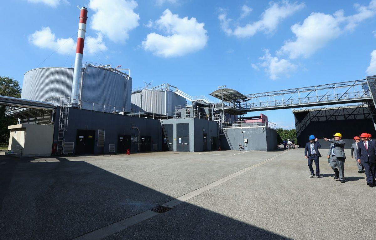 02092014-STR-Les deux digesteurs (fabrication du biogaz) avant la transformation en Bio méthane à la station d'épuration de Strasbourg –