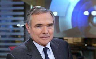 Bernard Accoyer (UMP) souhaite qu'une mission de réflexion sur le Smic soit lancée.