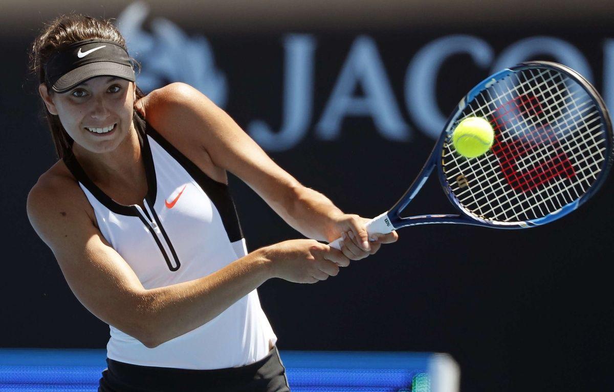 Océane Dodin lors du 2e tour de l'Open d'Australie contre Caroline Garcia, le 17 janvier 2017.  – Dita Alangkara/AP/SIPA