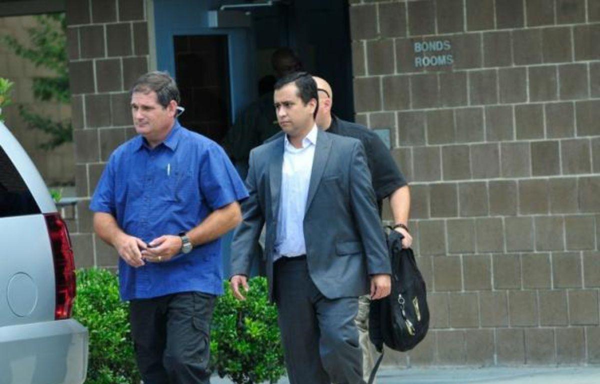 George Zimmerman, le meurtrier présumé de Trayvon Martin, un jeune Noir de 17 ans abattu par balle en février, a été remis en liberté sous caution, vendredi à Sanford en Floride (sud-est), a-t-on appris auprès des autorités pénitentiaires. – Roberto Gonzalez afp.com