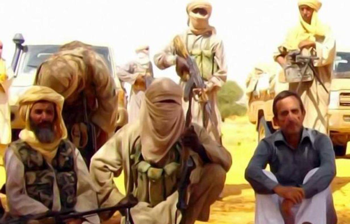Un site mauritanien d'informations en ligne, Sahara Medias, a publié une vidéo montrant séparément quatre des six otages français détenus dans le Sahel par Al-Qaïda, tournée le 29 août selon un des otages, qui appellent tous à négocier pour leur libération. –  afp.com