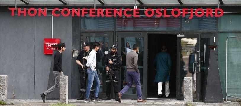 Un fusillade devant la mosquée Al-Noor à Baerum, près d'Oslo, a fait un blessé léger, le 10 août 2019.