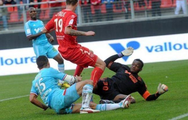 Le clasico du 7 octobre s'annonce chaud bouillant: à l'issue de la 7e journée de Ligue 1, seuls 3 points séparent le leader marseillais, humilié à Valenciennes (4-1), de son grand rival parisien, vainqueur solide de Sochaux (2-0) et désormais 2e du classement.