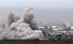 Dans la matinée, les chars israéliens se sont retirés des quartiers dévastés dans les combats de la veille, où 23 corps ont été extraits des décombres, selon des sources médicales.