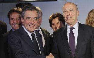 François Fillon et Alain  Juppé dans les locaux de Deezer à Paris le 19 avril 2017