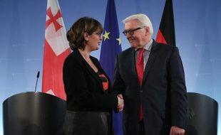 Le ministre allemand des Affaires étrangères Frank-Walter Steinmeier et son homologue de Géorgie Maia Panjikidze lors d'une conférence de presse conjointe, le 10 avril 2014 à Berlin