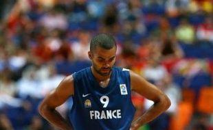 La France est au bord du fiasco total à l'Eurobasket où elle a sombré (69-86) face à la Croatie et mis en péril ses chances d'aller aux jeux Olympiques de Pékin, lors du premier de ses deux matches de classement samedi à Madrid.