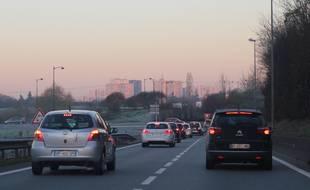 Illustration d'un axe routier lors d'un épisode de pollution de l'air, ici à Rennes.