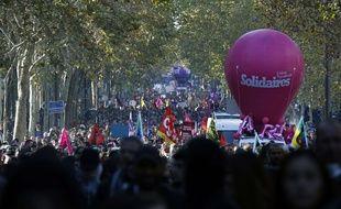 Manifestation interprofessionnelle du 9 octobre à Paris.