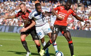 Alexandre Lacazette contre Rennes le 22 août 2015.