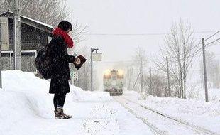 Matin et soir, un train passe dans cette petite gare perdue pour permettre à l'adolescente d'aller au lycée.