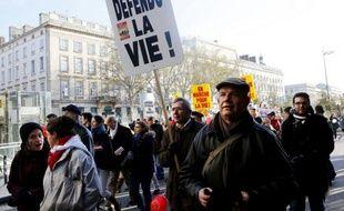 Défilé du collectif anti-IVG «J'aime la vie» à Lyon, le 30 novembre 2013.