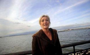 La candidate du Front national Marine Le Pen obtiendrait 27% des voix des agriculteurs, contre 33% à Nicolas Sarkozy, si le 1er tour de l'élection présidentielle avait lieu dimanche, selon un sondage BVA pour le portail internet spécialisé Terre-net, publié vendredi.