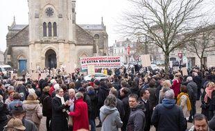 Des manifestants opposés à l'extension du stationnement payant se sont fait entendre lors des voeux d'Alain Juppé au quartier Saint-Augustin.