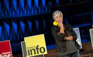 Fabienne Sintès pendant une conférence de presse en 2013