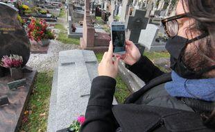 Le jeune ingénieur rennais Lilian Delaveau a créé RequiemCode, une solution de réalité augmentée pour honorer la mémoire des morts.