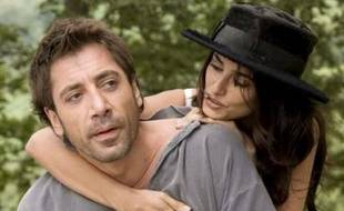 """Javier Bardem et Penelope Cruz sur le tournage de """"Vicky Cristina Barcelona"""" de Woody Allen, en 2008"""