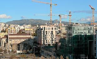 Les grues du quartier d'Euromed.