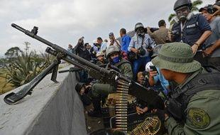 Des membres des Forces Armées vénézuéliennes ont annoncé leur soutien à Juan Guaido, l'opposant au président Nicolas Maduro, le 30 avril 2019 à Caracas.