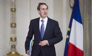 """L'ancien ministre UMP Claude Guéant, interrogé mardi sur la découverte d'un virement de 500.000 euros sur son compte, a de nouveau nié tout lien avec un éventuel financement libyen et assuré qu'il n'a """"jamais rien blanchi"""", et ne sait """"pas comment on fait""""."""
