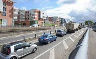 Illustration. Circulation avenue du Rhin à Strasbourg le 23 04 2012.
