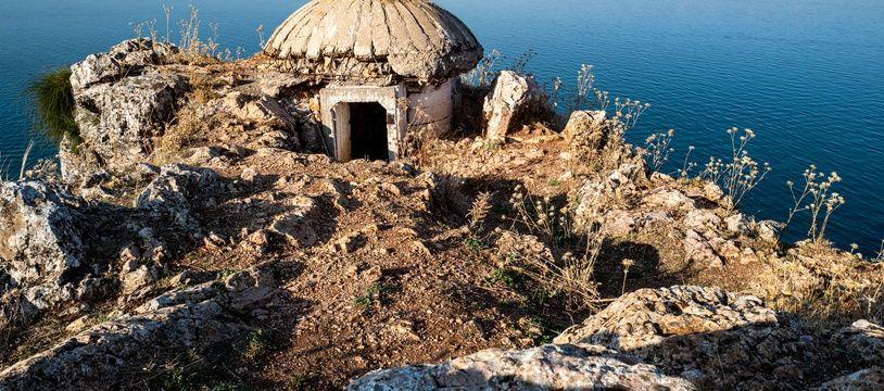 L'Albanie est parsemée de centaines de milliers de bunkers, vestiges de la dictature.