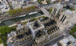 Les promesses de dons pour reconstruire Notre-Dame de Paris, dévastée lundi par le feu, s'élevaient mercredi 19 avril 2019 à 850 millions d'euros.