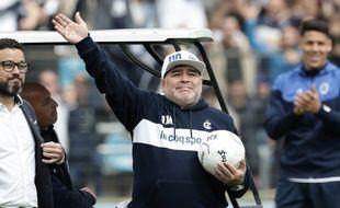 Maradona est le nouvel entraîneur du Gimnasia La Plata.