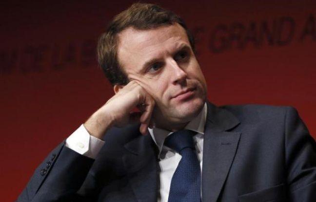 Le ministre français de l'Economie, Emmanuel Macron, assiste au congrès de l'UNAPL, le 5 décembre 2014 à Paris