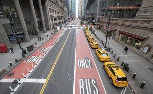 Une rue de New York déserte en plein confinement, le 25 mars 2020.