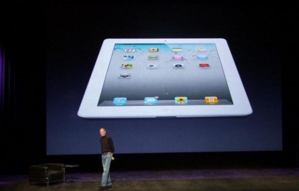 Steve Jobs présente l'iPad 2, à San Francisco, le 2 mars 2011. – P.BERRY/20MINUTES